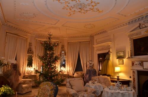 rsz_white_&_gold_christmas_2011