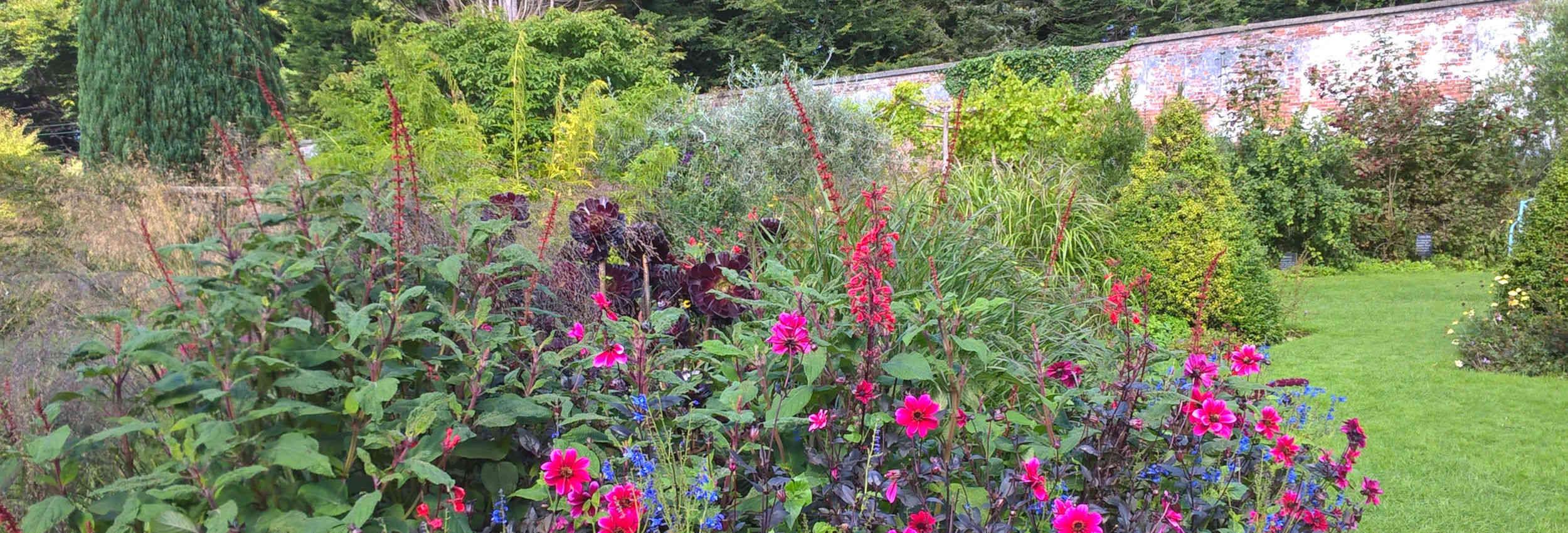 walled-garden-banner-06